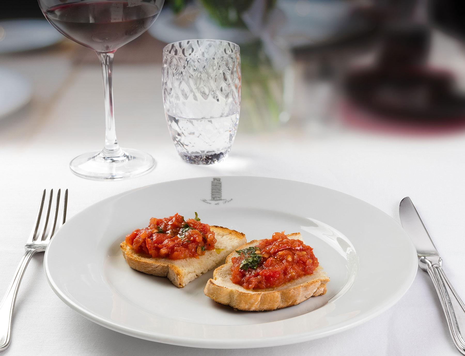 Bruschetta al pomodoro fresco e basilico