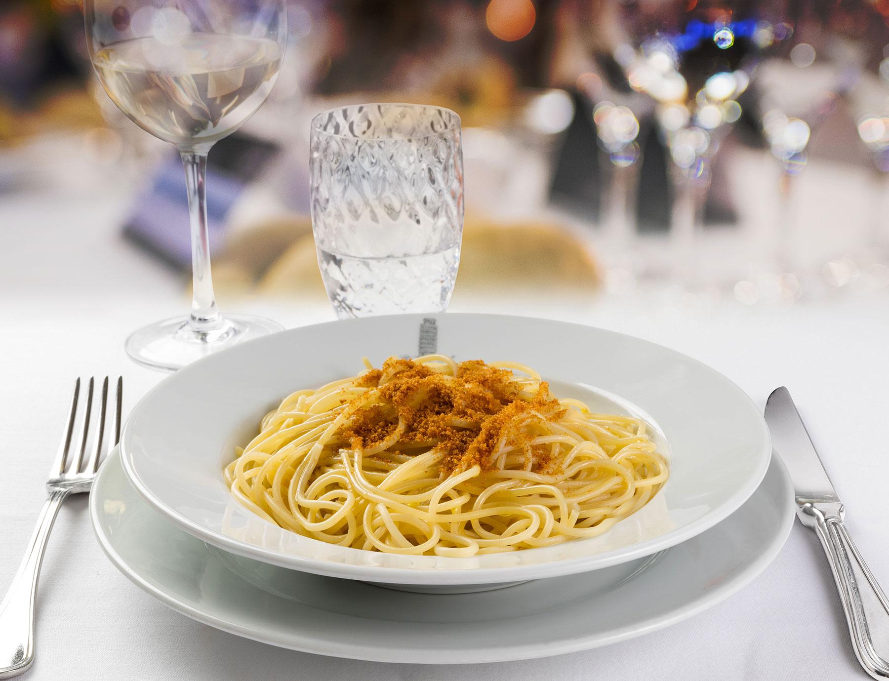 """Spaghetti """"Riserva Cavalier Cocco"""" alla bottarga"""