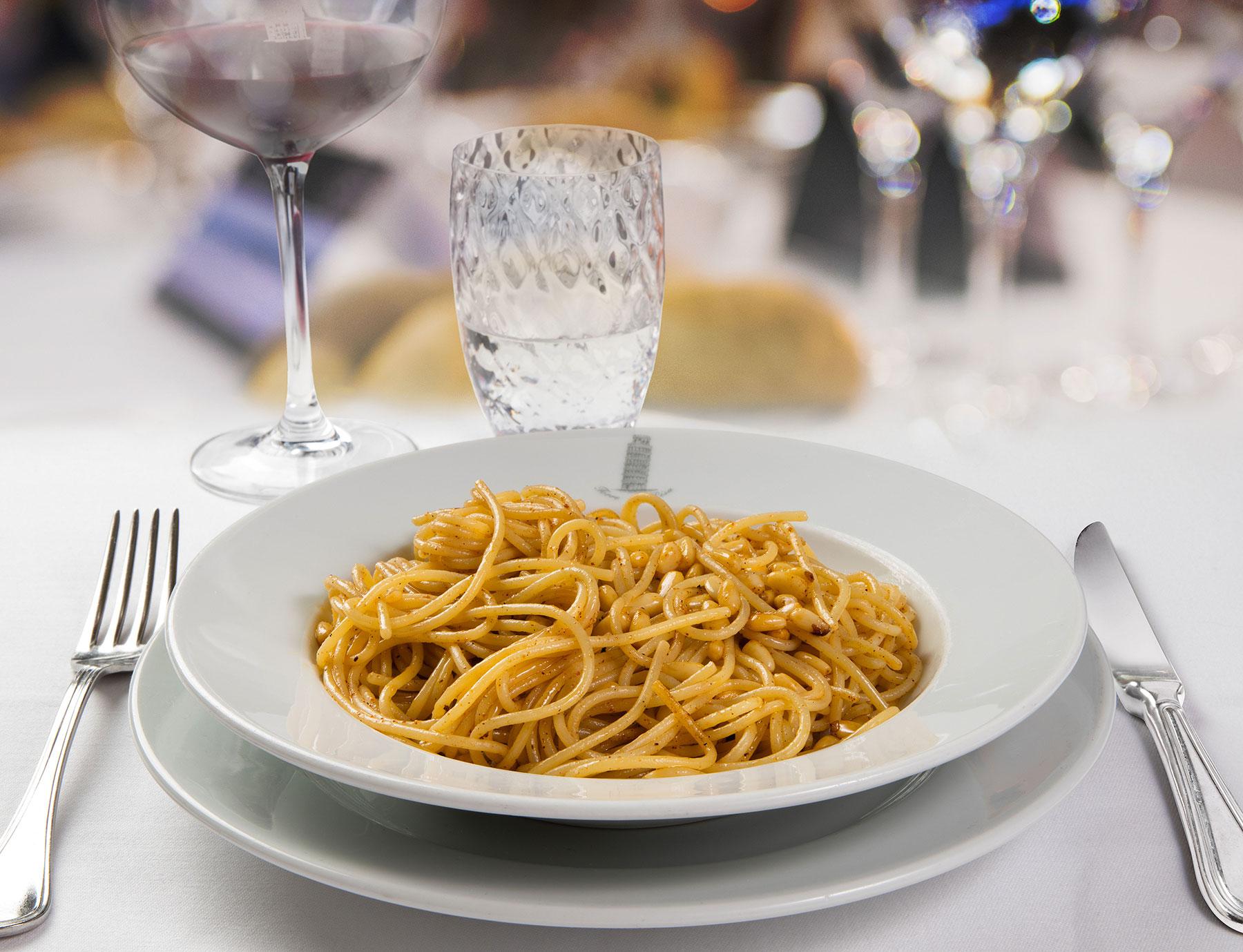 """Spaghetti """"Riserva Cavalier Cocco"""" alla disperata"""